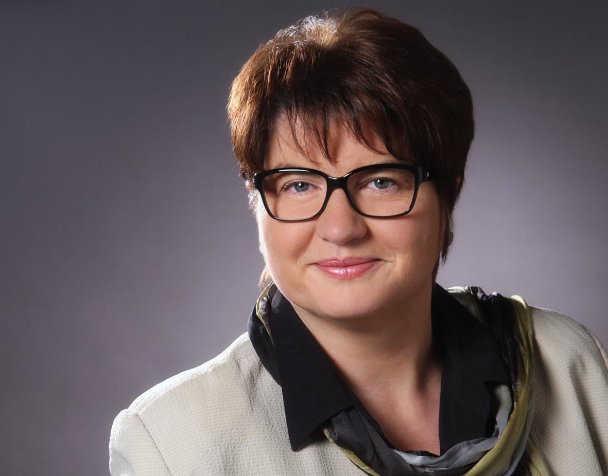 Dr. Carmen Pospisil