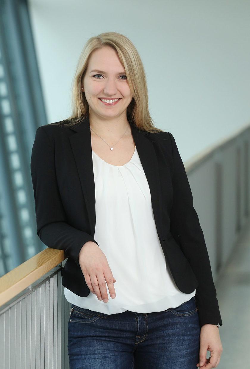 Dr. Daniela Bernhardt